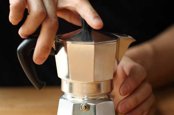 Правила приготовления вкусного кофе в гейзерной кофеварке