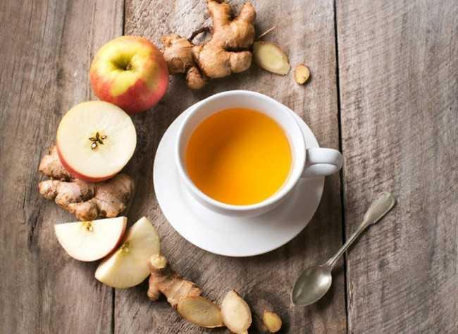 чашка чая имбирь и яблоки