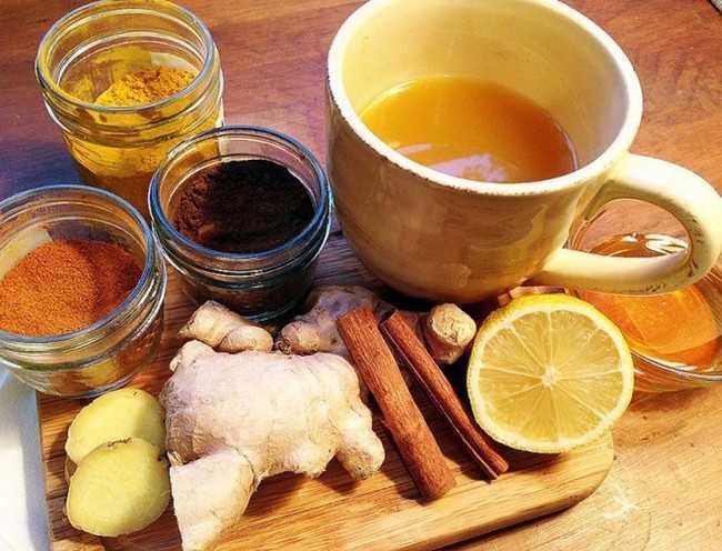имбирный чай с куркумой и корицей