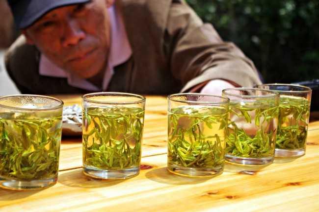 стаканы с чаем лунцзи