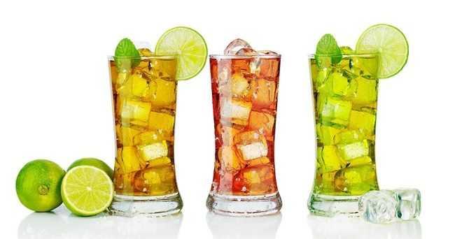 стаканы с холодным чаем