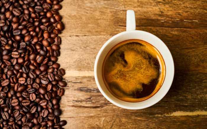кофе с темной пенкой