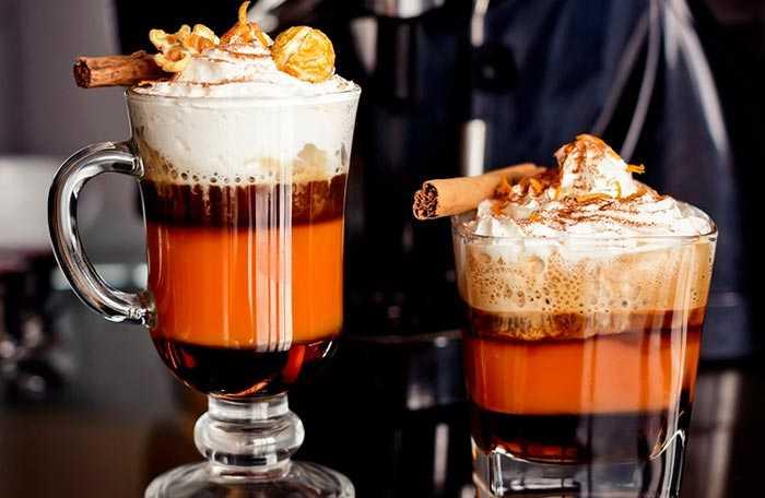 кофе с сиропом и цитрусом