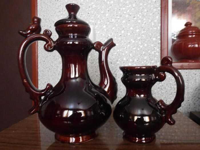 керамический кувшин для кофе